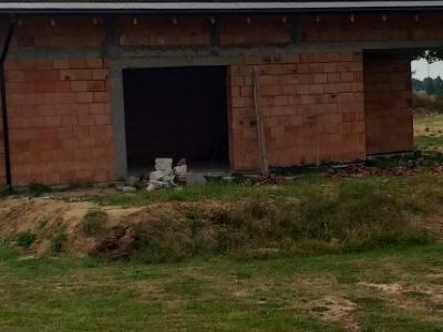 Remontowany dom z czerwonej cegły